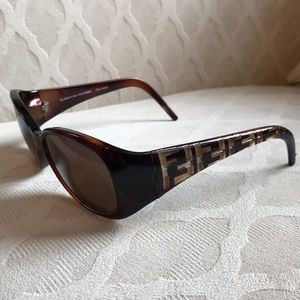 Fendi Logo FS 407 Brown Sunglasses